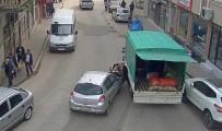 İlginç Kazalar MOBESE'ye Yansıdı