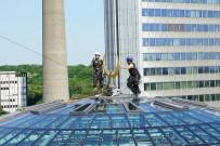 ALIŞVERİŞ MERKEZİ - Köln DİTİB Merkez Camii'nin Hilalleri Takıldı