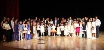 ANNELER GÜNÜ - Minik Müzisyenler, Anneleriyle Sahne Aldı
