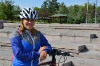 Muhasebeci Ayşe Elidemir, Kırıkkale'ye Bisikleti Sevdirmeye Çalışıyor