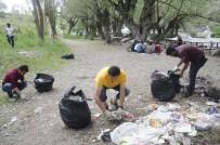 BAHAR TEMİZLİĞİ - Munzur Gözeleri'nden 10 Torba Çöp Topladılar