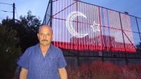 DÜNYA REKORU - Şehitler Anısına 60 Metrekarelik Dijital Türk Bayrağı