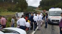 YOLCU MİDİBÜSÜ - Ukraynalı Turistleri Taşıyan Midibüs Kaza Yaptı Açıklaması 17 Yaralı