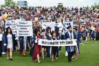 Uşak Üniversitesi Mezunlarını Törenle Uğurladı