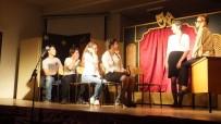 Burhaniye' De Liseli Tiyatrocular Profesyonelleri Aratmadı