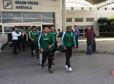 Bursaspor Kafilesi Antalya'ya Geldi