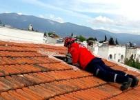 Çatıda Kedi Kurtarma Operasyonu