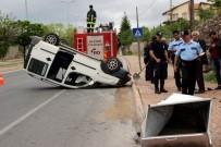 Çöp Konteynerine Çarpan Otomobil Takla Attı Açıklaması 2 Yaralı