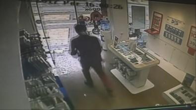 Dolandırıcı Kaçtı Mağaza Müdürü Kovaladı