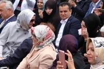 MUSTAFA GÜLER - Engelli Öğrencilerin Gösterisinde Ağlayan Anneyi Bakan Kaya Teselli Etti