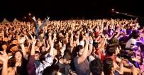 GAZI ÜNIVERSITESI - Gençler, 19 Mayıs Festivali'nde Doyasıya Eğlendiler