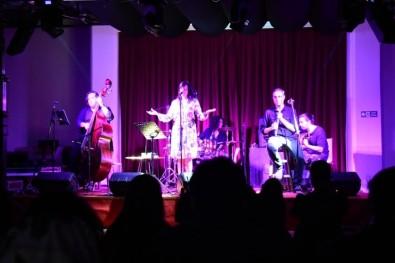 Gülcan Altan Süleymanpaşa'da Konser Verdi