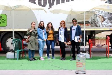 LÖSEV Tırı Yozgat'ta İhtiyaç Sahipleriyle Buluştu