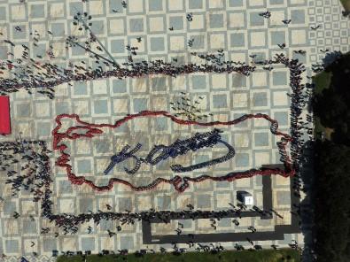 Öğrencilerden Dev Türkiye Haritası Ve Atatürk İmzası
