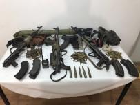 JANDARMA ASTSUBAY - Öldürülen Teröristlerden Cephanelik Çıktı
