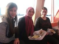 ERCIYES - Anne Ve Kızları Üniversitede