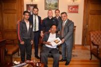 HALTER TAKIMI - Şampiyonlardan Başkan Yağcı'ya Ziyaret