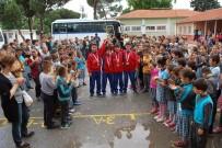 BEDEN EĞİTİMİ ÖĞRETMENİ - Türkiye Şampiyonlarına Coşkulu Karşılama