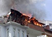 KERBELA - Apartmanın Çatısı Alev Alev Yandı