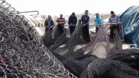 YUNUS BALIKLARI - Av Sezonu Bitti, Balıkçıların Ağ Mesaisi Başladı