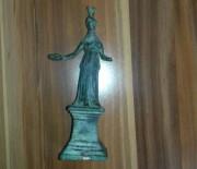 BRONZ HEYKEL - 'Bronz Tanrıça'yla Yurt Dışına Kaçarken Yakalandı