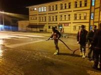 BAHAR TEMİZLİĞİ - Çaldıran'da Bahar Temizliği