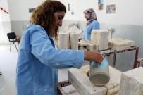 MESLEK EDİNDİRME KURSU - Diyarbakırlı Kızlar Çamura Hayat Veriyor