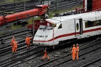 YÜKSEK HıZLı TREN - Dortmund'ta Hızlı Tren Raydan Çıktı Açıklaması 2 Yaralı
