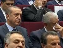 PARTİLİ CUMHURBAŞKANI - Erdoğan imzayı attı, Yıldırım gözyaşlarına hakim olamadı