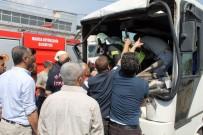 İŞÇİ SERVİSİ - İşçi Servisi Kaza Yaptı Açıklaması 10 Yaralı