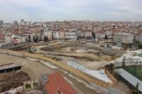 İstanbul'un En Büyük Buz Pisti İçin 24 Saat Aralıksız Çalışıyorlar