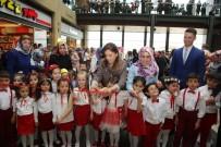 Minik Öğrenciler '160 Çocuk Tek Bayrak' Sergisi Açtı