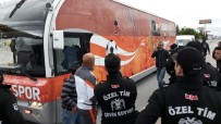 Adanaspor Taraftar Otobüsüne Saldırı