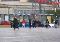 METEOROLOJI - Aniden Bastıran Yağmur Hayatı Olumsuz Etkiledi