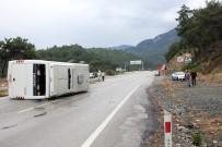 TAHTALI DAĞI - Antalya'da Tur Otobüsü Devrildi Açıklaması 16 Turist Yaralı