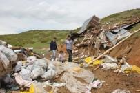 DARMADAĞıN - Bingöl'de Fırtına 2 Kişi Yaralandı, 28 Ev Ve Ahır Zarar Gördü