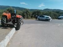 Havran'da Traktör İle Otomobil Çarpıştı Açıklaması 2 Yaralı