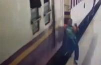 LOS ANGELES - İnmek İstediği Trenin Altında Kaldı