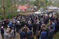YÜKSEKOVA DEVLET HASTANESİ - Yüksekova'da Yıldırım Düştü Açıklaması 1 Ölü