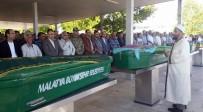 MUSTAFA TOPRAK - Adıyaman'daki Kazada Hayatını Kaybeden Aile Malatya'da Toprağa Verildi
