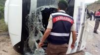 Bursa'da Midibüs İle Otomobil Çarpıştı Açıklaması 3 Ölü