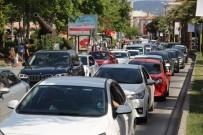 ŞEHİTLİKLER - Çanakkale'de Dönüş Yoğunluğu