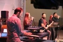 Denizli'de Barış Manço'nun Unutulmaz Eserleri İle Konser Verildi