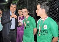 KUPA TÖRENİ - Futbol Turnuvasında Şampiyon Olan Takıma Altın Ödülü