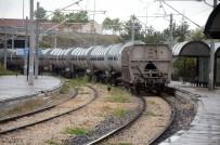 Gençlerin Yük Treniyle Fotoğraf Çekinme Çabaları Faciayla Sonuçlandı