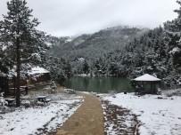 HAVA SICAKLIĞI - Gümüşhane'ye 21 Mayıs'ta Kar Sürprizi