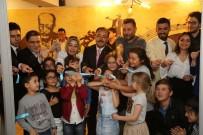 HÜSNÜ ŞENLENDİRİCİ - Hüsnü Şenlendirici, Uşak Belediyesi Sanat Akademisi'nin Açılışına Katıldı