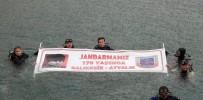 NAMIK KEMAL NAZLI - Jandarma 178. Kuruluş Yıl Dönümünü Su Altında Pankart Açarak Kutladı