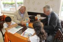 SINIF ÖĞRETMENİ - Minik Öğrenciler Emekli Öğretmenlerle Kitap Okudu