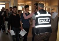 EVLİYA ÇELEBİ - Sınava Geç Kalan KPSS Adayları Kapıdan Geri Döndü